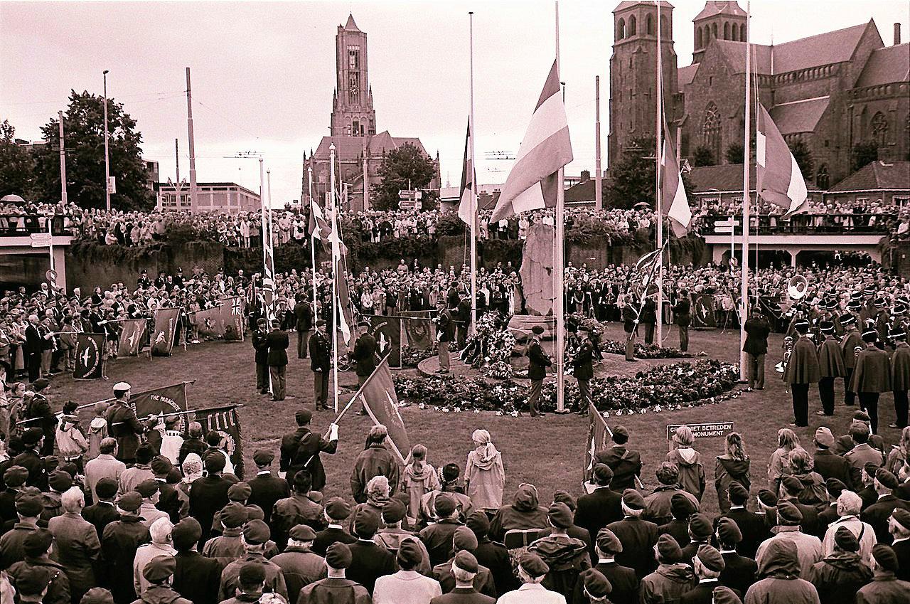 Arnhem_Airborneplein_1994